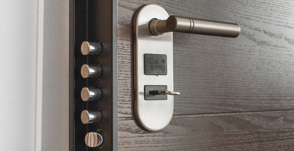 A new and modern door lock